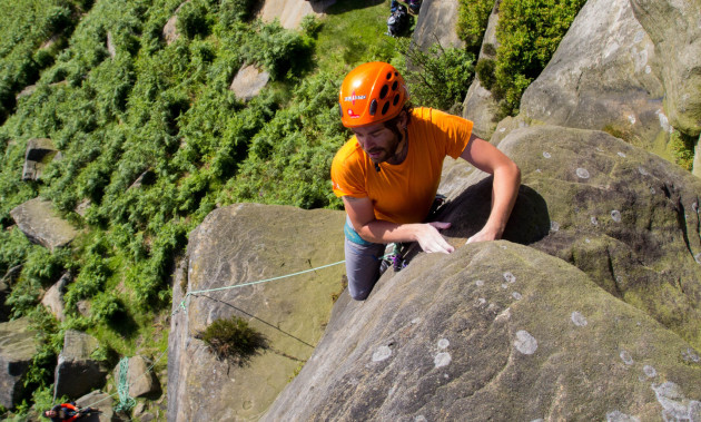 Climbing in England | Jaime Moreno Montes invites you to enjoy the gritstone